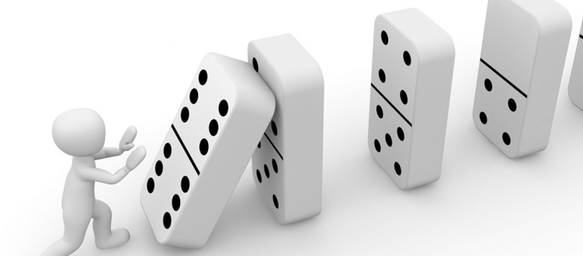 domino-queda-pixabay-leisetributos-dc